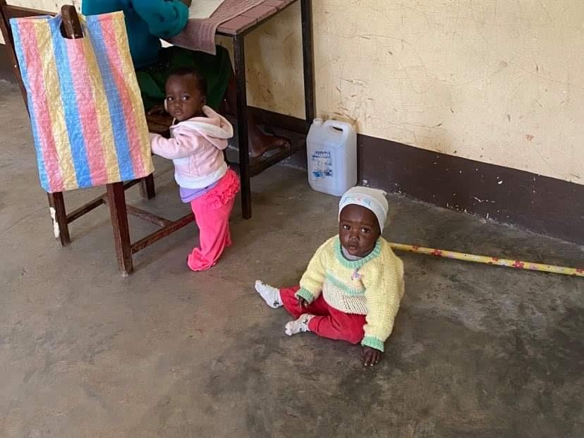 jestescieswiatlem-pomoc-dzieciom-w-laare-6