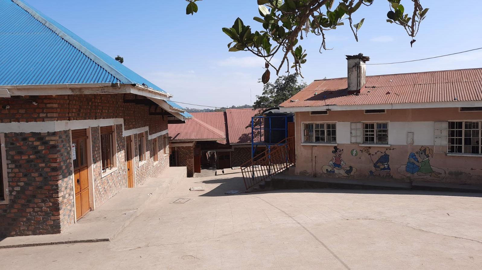 jestescieswiatlem-Budowa-domu-dla-bezdomnych-dzieci-w-Ugandzie-10